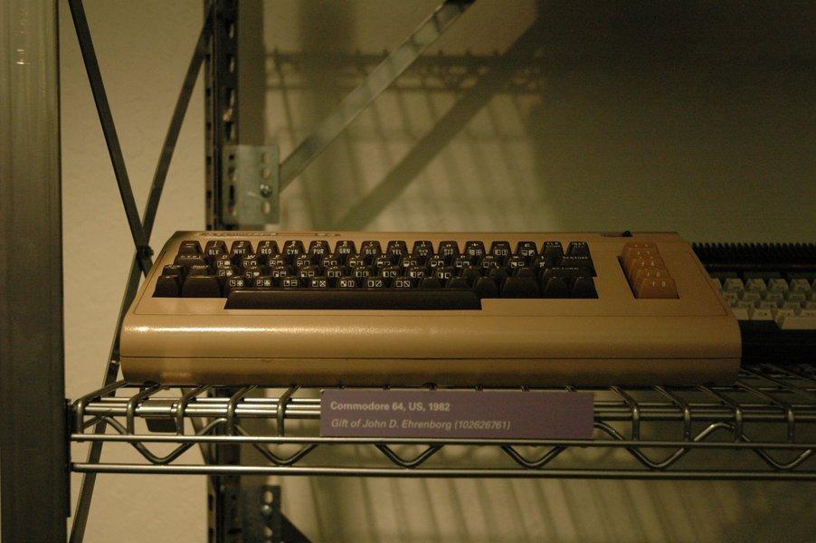 Computer History Museum: シンクレア ZX-81とコモドールVIC-1001 - のまのしわざ
